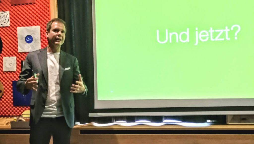 Picture of Christian Heim, valantic GmbH, presenting Digitalization in Companies, valantic B2B Next Generation