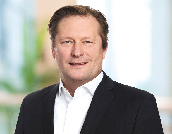 Portrait of Dr. Falk von Falkenhausen, Executive Director at valantic Supply Chain Excellence