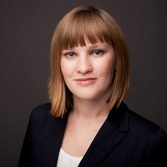 Porträt von Helena Reimer-Burgrova, HXM Strategy & Product Advisor bei valantic people