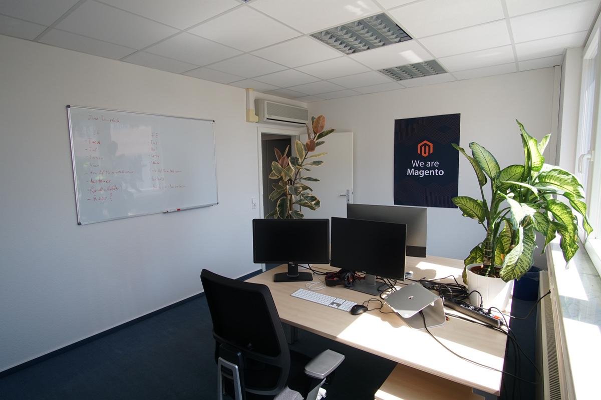 Bilder der Arbeitsplätze im Büro von netz98 - a valantic company in Stuttgart, Leinfelden-Echterdingen