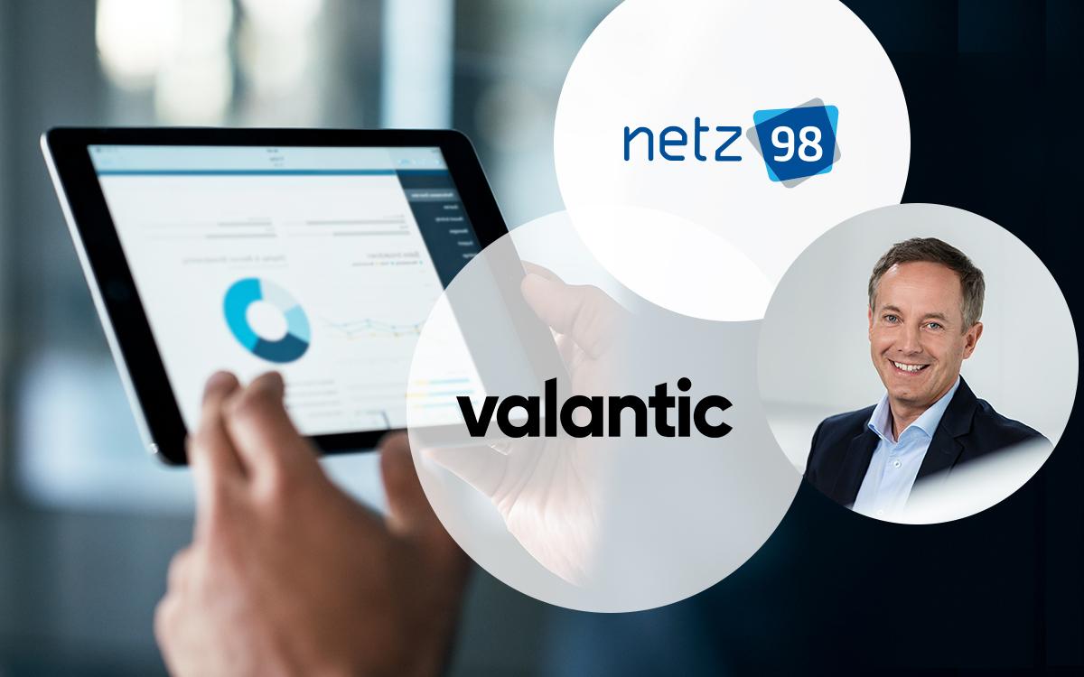 Bild eines Tablets, davor das Logo von valantic, das Logo von netz98 sowie ein Porträt von Tim Hahn, Geschäftsführer von netz98 - a valantic company