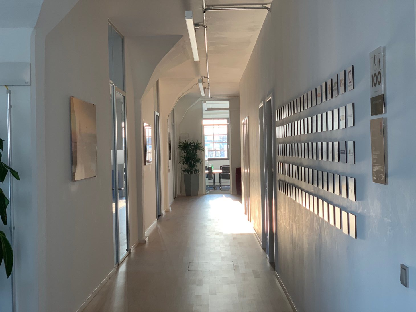 Image of a hall in the office of valantic ERP Consulting in Cologne
