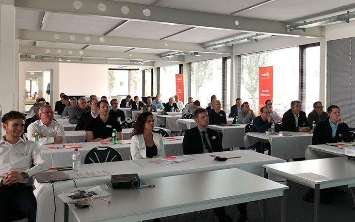 Bild von Menschen, die in einem Vortrag sitzen, valantic Supply Chain Excellence Day bei General Dynamics