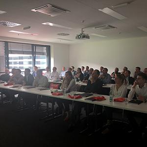 Bild von Personen die in einem Vortrag sitzen, valantic Supply Chain Excellence Day bei SEW Eurodrive