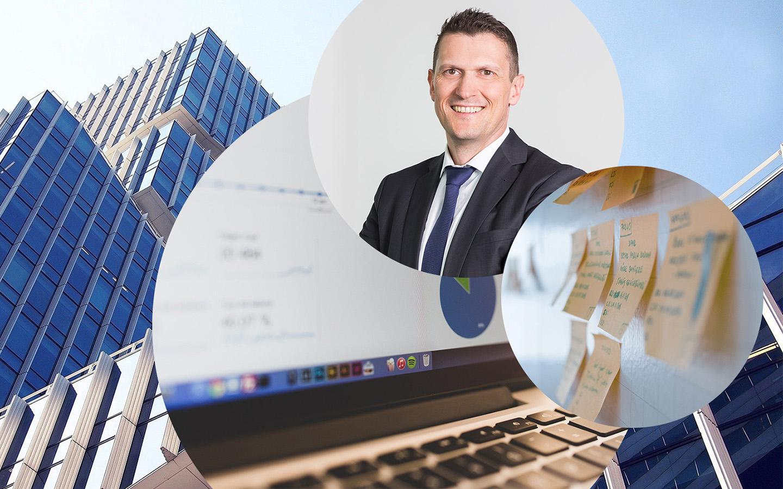 Bild von Uli Müller, Geschäftsführer bei Linkit Consulting - a valantic company, im Hintergrund ein Gebäude, ein Bild von Post-Its sowie eines Laptopsbildschirmes