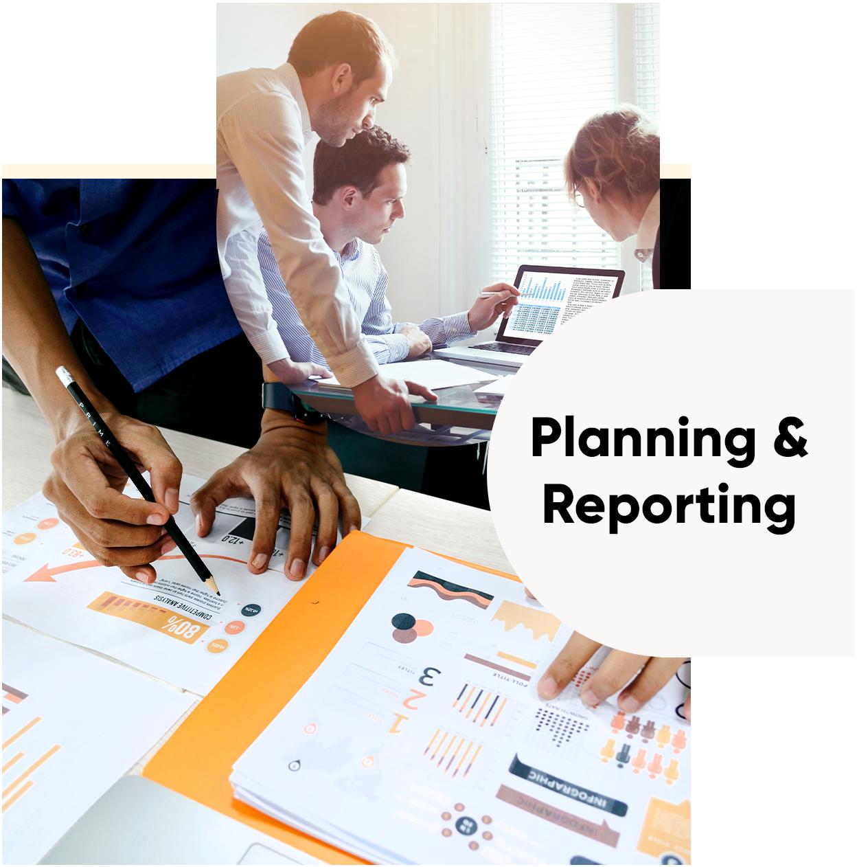 Drei überlagende Kreise mit Fotos einer Besprechung und Diagrammen und dem Schriftzug Planning & Reporting