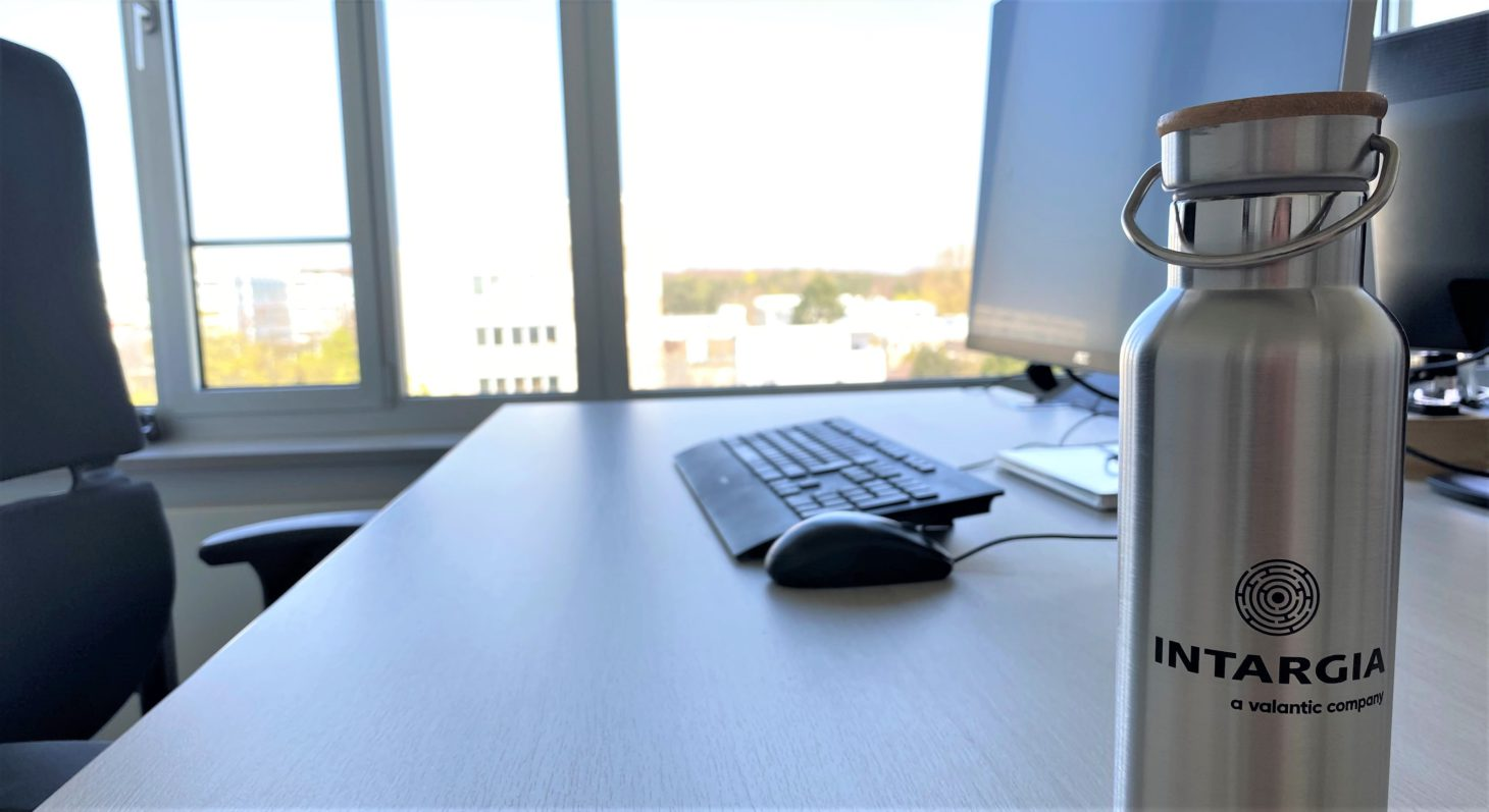 Image of the INTARGIA - a valantic company office, office desk