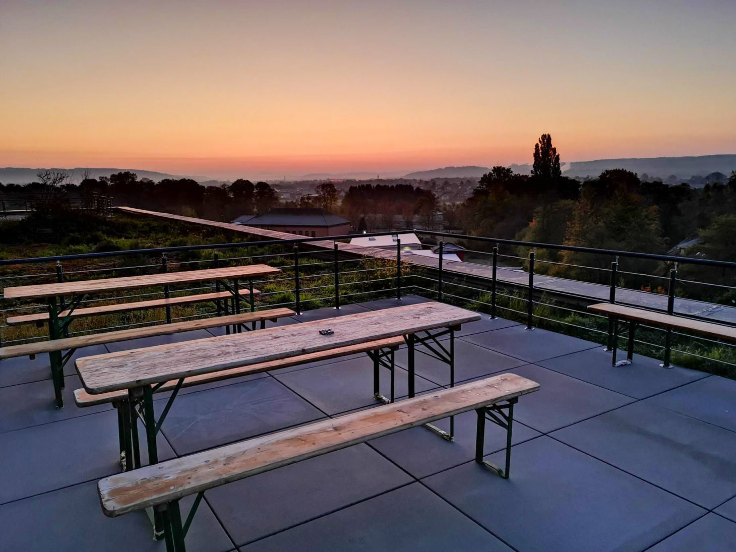 Image of a roof terrace at sunset, valantic branch Siegburg