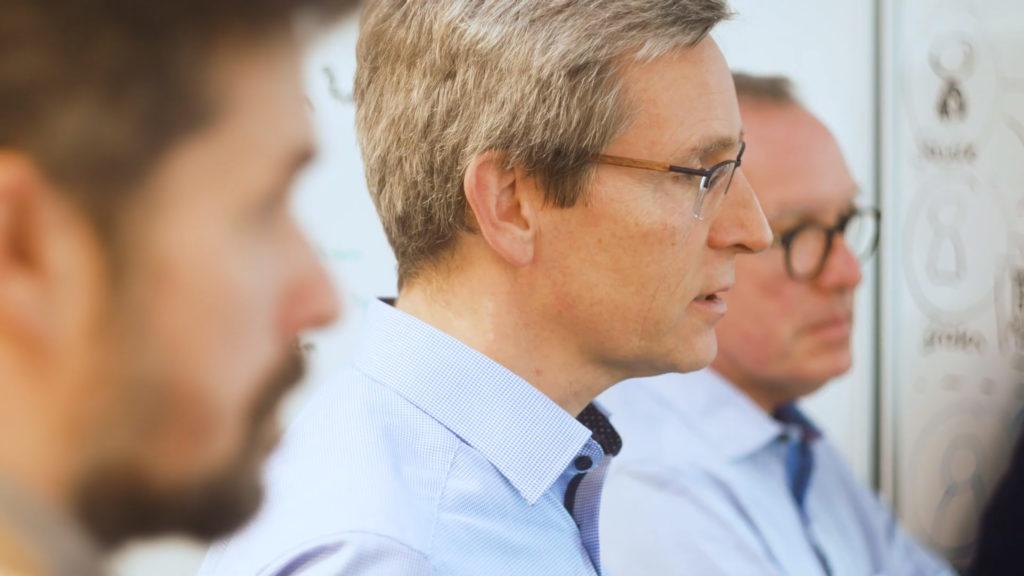 Bild eines valantic Kunden: Das Entwicklerteam für die agile Transformation der apoBank
