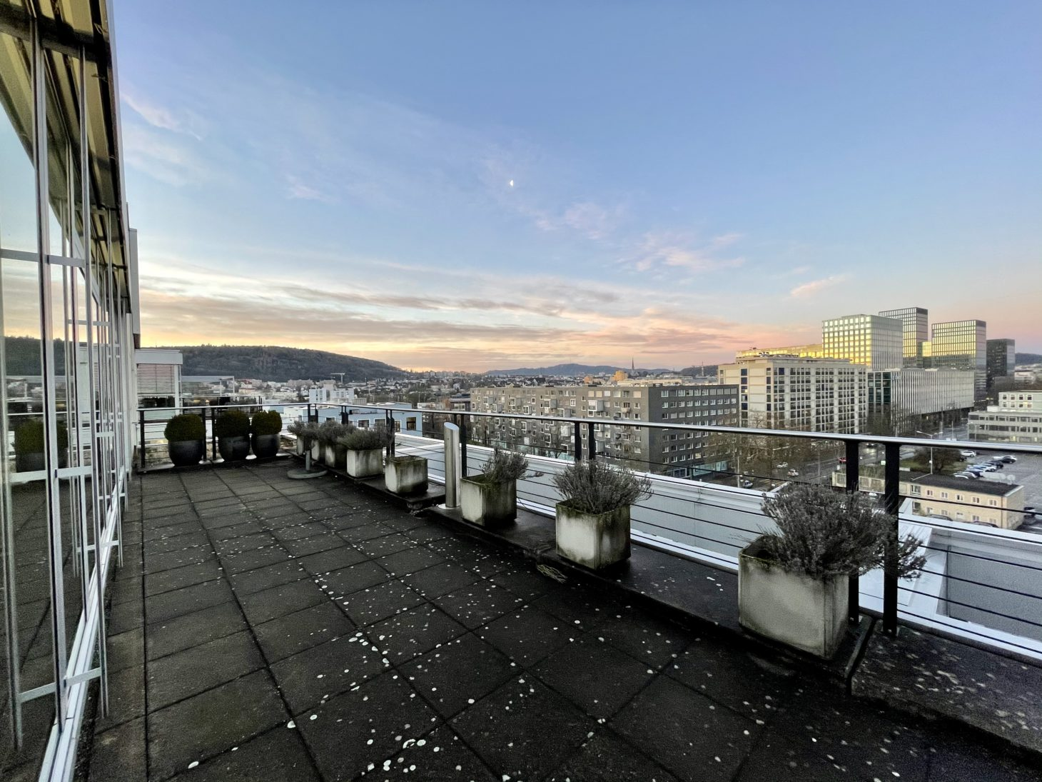 Image of the roof terrace of the valantic branch in Zurich