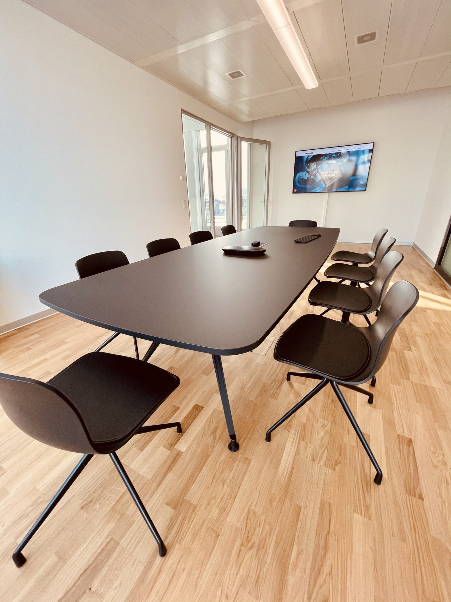 Image of the conference room of the valantic branch in Zurich